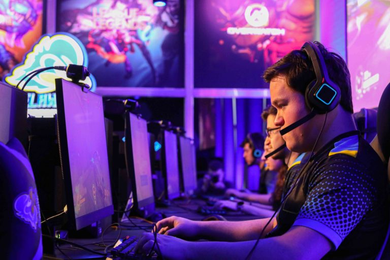 Το 72% του κοινού των eSports είναι άντρες