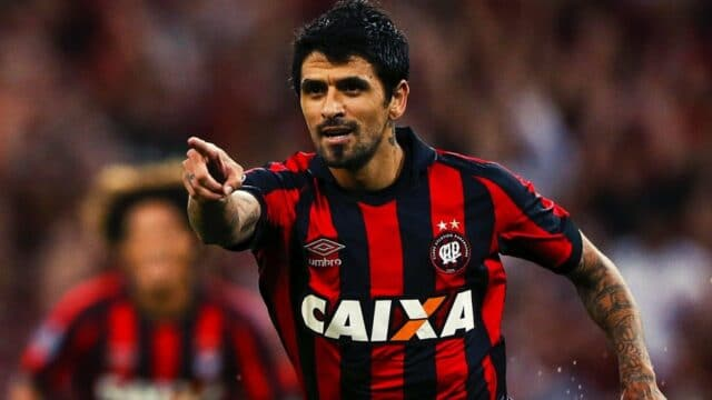 Λέει «αντίο» στα γήπεδα, ως ποδοσφαιριστής ο Λούτσο Γκονσάλες! (vid)
