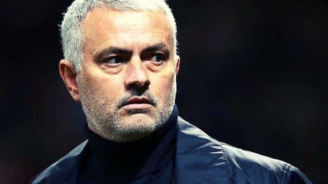 Ο ενοχλημένος από την κριτική Μουρίνιο απαντά: «Δεν μπορούν όλοι να μιλούν για ποδόσφαιρο»!