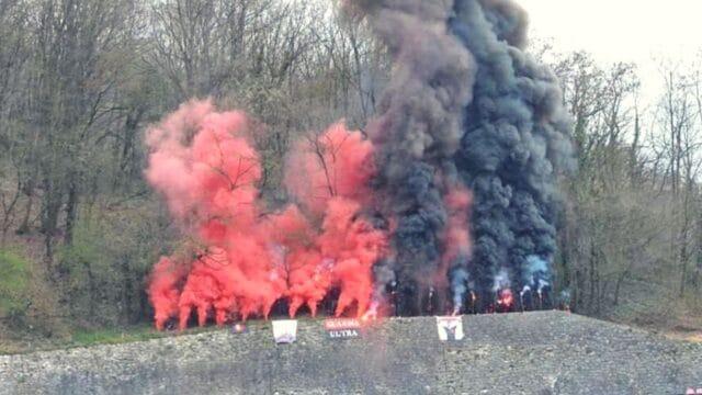 Ρουμανία: Έμειναν… δίπλα στην ομάδα τους, αφού κρεμάστηκαν απ' τα δέντρα! (pics)