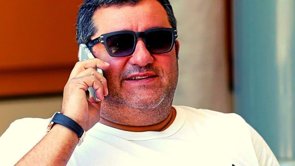 Μίνο Ραϊόλα: Ο… πιτσαδόρος, που έχει το «κουμάντο» στο ποδόσφαιρο!