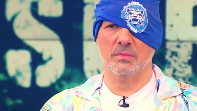 Survivor 4 (17/05): Ο Νίκος Μουτσινάς γίνεται Μπλε στο survivor και τα σπάει! (Vid)