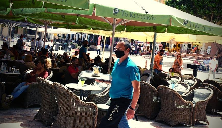 Χαρές και πανηγύρια: Άνοιξαν τα καφέ και τα εστιατόρια! (vids)