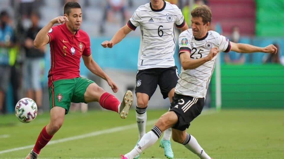 """Αυτή ήταν Γερμανία! """"Πάτησε"""" τους Πορτογάλους με τεσσάρα και έδειξε πως είναι μέσα στα φαβορί! (vids)"""