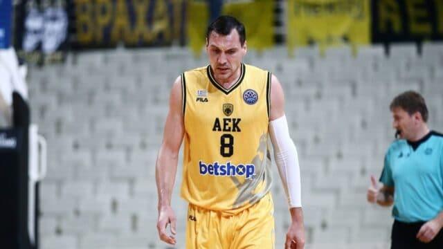 """Απότομος στο """"αντίο"""" του στην ΑΕΚ ο Μασιούλις: """"Σίγουρα το τελευταίο μου παιχνίδι με την ΑΕΚ!""""(vid)"""