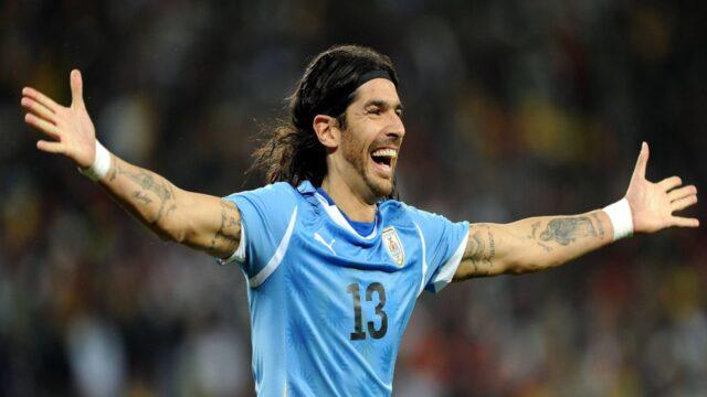 """Πόσο ακόμη να παίξει; Ο """"Λόκο"""" Σεμπαστιάν Αμπρέου σταματάει το ποδόσφαιρο στα …44! (vids)"""