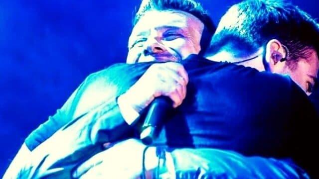 Πλούταρχος & Κακοσαίος: Μπαμπάς & γιος τραγουδούν μαζί και δεν τους ξεχωρίζεις! (Vid)