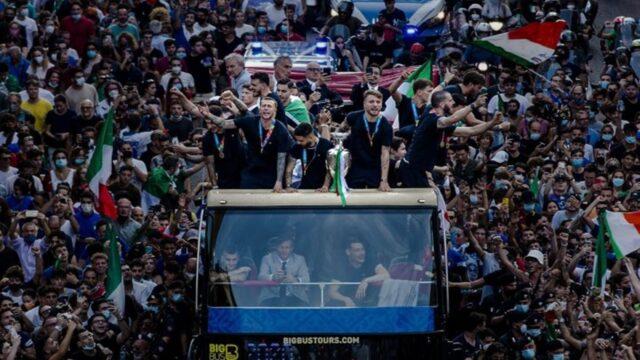 EURO: Υποδοχή ηρώων στη Ρώμη! (vids)