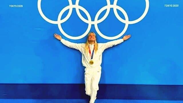 Η Αμερικανή …Στεφανία Χαραλαμπίδη αφιέρωσε το μετάλλιο της στην Ελλάδα!