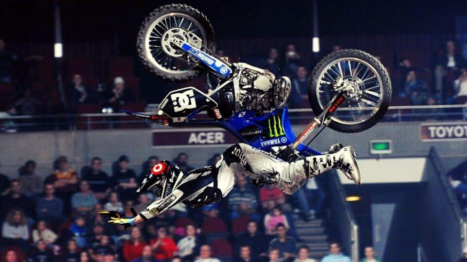 Freestyle motocross Βασιλεία: Εντυπωσιακές φιγούρες από τους πρωταθλητές! (Vid)